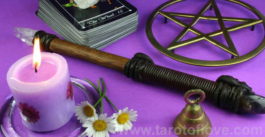 Weekly Love tarot reading online 4 cards spread